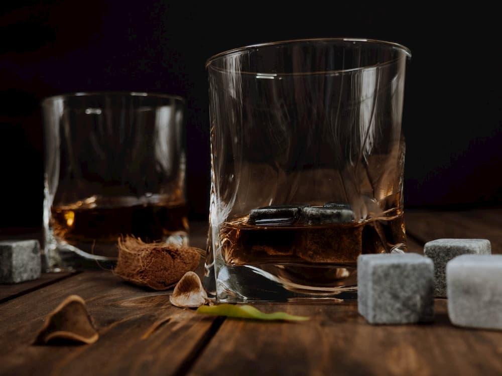 4 Types Of Whiskey Your Shelf Needs